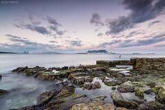 Atardece en la ballenera (sergio estevez) Tags: atardecer mar cielo nubes cama gibraltar rocas algeciras marinas ballenera campodegibraltar tokina1116mmf28