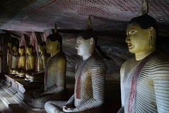 Dambulla - grotte no 2 - 2 (luco*) Tags: golden sri lanka temples buddhas grottes dambulla bouddhas flickraward flickraward5 flickrawardgallery