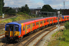 5722 & 5737, Guildford, July 14th 2016 (Suburban_Jogger) Tags: 455722 5722 455737 5732 class455 brel southwesttrains londonwaterloo railway train railroad electricmultipleunit guildford surrey july 2016 summer canon 60d 24105mm
