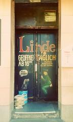 Old Door (hans-jürgen2013) Tags: türdoorberlinkneipe typisch
