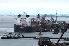 Tranmere Oil Terminal (frisiabonn) Tags: volunteer endeavour vigilant defender navion oceania botafogo large crude oil tanker products tranmere terminal cammell laird shipyard seacat river mersey merseyside windfarm support birkenhead united kingdom maritime