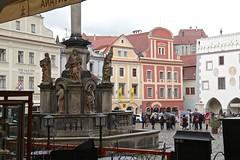 City Square ~ esky Krumlov 02 (smilla4) Tags: citysquare fountain medievalcity ceskykrumlov czechrepublic