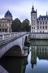 Paris, France : Conciergerie (pierrepphotography) Tags: paris france conciergerie reflections seine city architecture bridge
