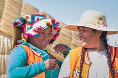 Uros women (fabioresti) Tags: localpeople travel portrait uros urosislands girl women per peruvian lake titikaka lago 2016 canoneos80d 55250 smile sorriso peruviane donne