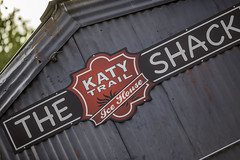 Katy Trail Ice House Sign (Mabry Campbell) Tags: november usa architecture bar photography restaurant photo dallas texas photographer realestate unitedstates image tx nopeople uptown photograph commercial 100 philipjohnson client f28 fineartphotography 2014 200mm tiltshift architecturalphotography dallascounty cityofdallas colorimage commercialphotography commercialrealestate commercialproperty uptowndallas architecturephotography ef200mmf28liiusm 3500mapleavenue houstonphotographer 3500maple sec cassidyturley katytrailicehouse mabrycampbell bridgerconway november152014 20141115h6a9933