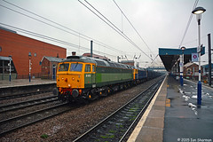 D1916 (47812) No 47843 Vulcan 21st Jan 2015 Doncaster (Ian Sharman 1963) Tags: station train coast diesel jan no great 21st engine railway loco trains class east british locomotive vulcan railways freight 47 doncaster mainline 2015 ecml railfreight 47812 47843 gbrf d1916