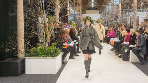 SONIA REYNOLDS PRESENTS HER SELECTION OF THE BEST OF IRISH FASHION- REF-101376