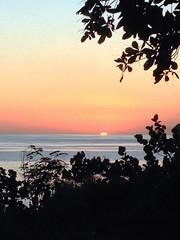 Una paradita en la carretera (Dennise Morales Pou) Tags: sunset paisajes naturaleza beach nature atardecer mar dominicanrepublic playa atardeceres con marino naturephotography aagua paisajemarino dominicanrepublicsunset sunsetlovers atardecermarino fotografadenaturaleza
