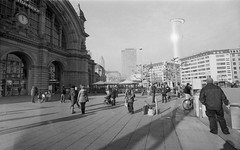 Frankfurt Hauptbahnhof, Leica Ig, Canon 19mm f3.5 LTM (mraposio) Tags: leica ltm bw film analog canon kodak trix rangefinder bn 400 epson ig f35 19mm v700