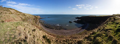 Strathlethan Bay Pano (Kyoshi Masamune) Tags: sea panorama scotland aberdeenshire north stonehaven ultrawideangle dunnottarcastle stonehavenwarmemorial strathlethanbay kyoshimasamune