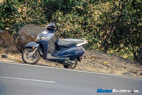 2015-Honda-Activa-125-Long-Term-11