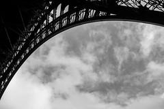 300 mtres V (Inventio Estudios) Tags: france eiffeltower toureiffel torreeiffel francia pars