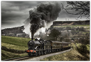 11052N Powering up to Oakworth, KWVR