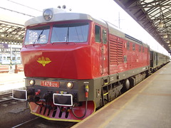 Praha Hl.N (mostlybytrain) Tags: diesel grumpy bardokta cd goggles czech kzc