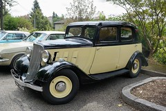 Renault, Monaquatre YN (France, 1936) (Cletus Awreetus) Tags: france renault monaquatre vhiculeancien vintage voituredecollection berline jaune noir voiture collection