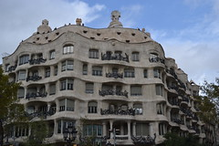 (IlPoliedrico) Tags: barcelona barcellona spain spagna catalunya travel antonigaud gaud architecture architettura art design modernisme modernism lapedrera casamil pedrera