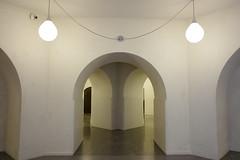 (aka Jon Spence) Tags: london londonist tatebritain gallery art architecture carusostjohn symmetry simple minimal white cryptlike arch