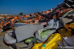 Lesbos: Rettungswesten-Friedhof (tim.lueddemann) Tags: lesbos life jackets vests rettungswesten friedhof deponie müll flüchtlinge refugees geflüchtete