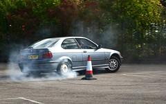 2000 BMW 318ti (FurLined) Tags: brooklands autumn motorsport 2016 2000 bmw 318ti doughnut