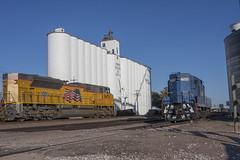 PJY-09-8094-1 (cemsrus) Tags: up nebraska elevator grain route unionpacific overland gp10 sd70ace