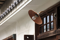 (  / Yorozuna) Tags: lamp lightbulb japan streetlight streetlamp hiroshima takehara    outdoorlight  outsidelight