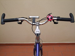 Revised arrangement (cyclingshepherd) Tags: pink portugal bike bicycle shop bar cycling evans stem bell space gear cycle brake local algarve february grip crossroads handlebars specialized levers olho decathlon shimano mrx grips 2015 shifters gripshift minoura barends s100fs cyclingshepherd