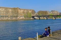 Students drawing Paris (Pantchoa) Tags: paris france seine dock nikon louvre quay d90 portdessaintspres studens 35mmf18gdx pontdsearts