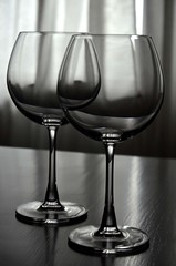 ~~ The Wine Glass ~~ (Excel exposures) Tags: white black glass nikon wine 5100 nikkor 1870mm productphotography
