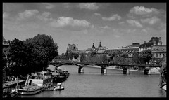 La Seine et le Grand Paris (gabriellkatona) Tags: bw paris france seine la nikon scope louvre grand s le coolpix prizs et franciaorszg szajna
