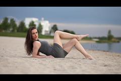 * (Henrik ohne d) Tags: portrait beach sand dress ferriswheel ef85mmf18 eos5dmk2 belindak may2016