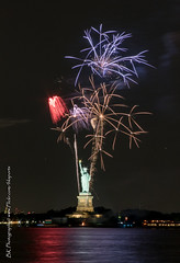 Statue Of Liberty Fireworks July 16 2016-28 (bkrieger02) Tags: nyc newyorkcity longexposure nightphotography brooklyn canon fireworks hudsonriver statueofliberty pyro redhook libertyisland pyrotechnics libertyharbor canonusa 7dmkii louisvalentinopier