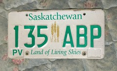 SASKATCHEWAN ---c.2013 ---LAND OF LIVING SKIES PLATE #135ABP (woody1778a) Tags: saskatchewan license plates fortrade traders trading hobby