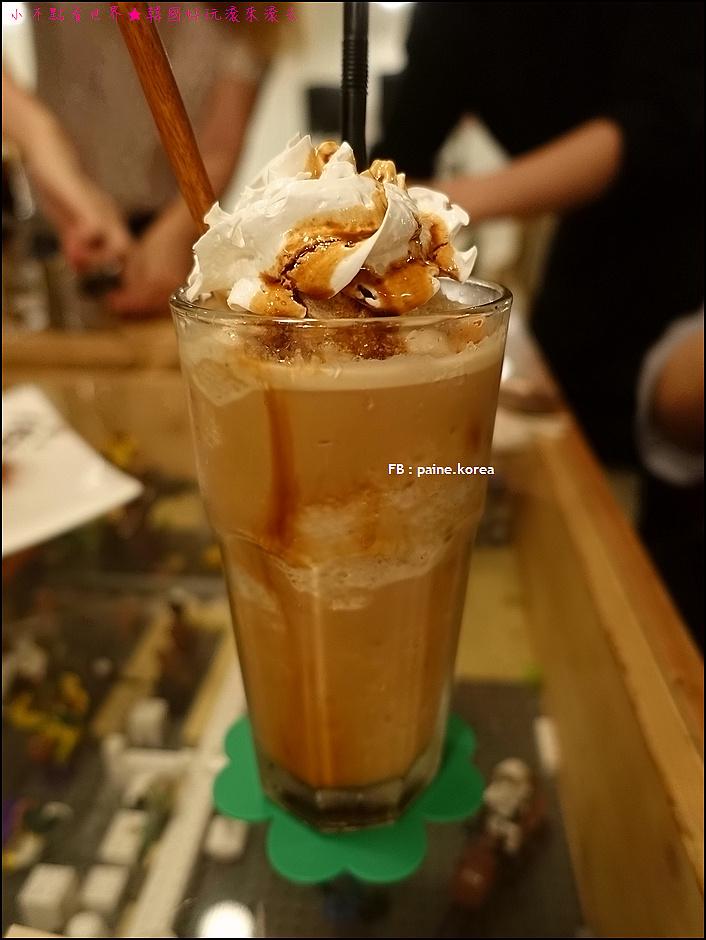 弘大 下面咖啡 提拉米蘇 (11).JPG