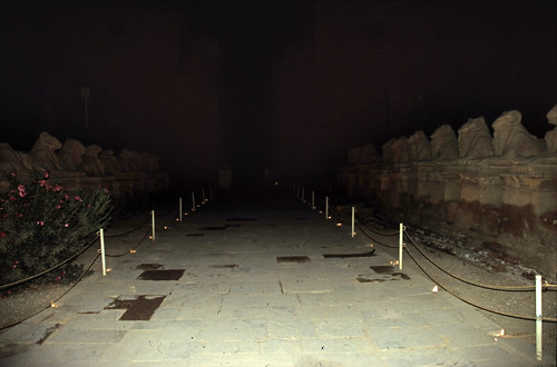 "Ägypten 1999 (298) Karnak-Tempel: Sphingenallee auf dem Dromos • <a style=""font-size:0.8em;"" href=""http://www.flickr.com/photos/69570948@N04/28107071784/"" target=""_blank"">View on Flickr</a>"