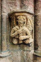 rosslyn chapel (violica) Tags: sculpture scotland unitedkingdom flute rosslyn regnounito scultura midlothian roslin scozia carvedstone rosslynchapel bassorilievo flauto basreliev
