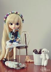 Happy day \*o*/ (Au Aizawa) Tags: pullip dahlia cinderella japanese fashion doll flowercrown teddybear chocolate