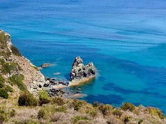 Spiaggia degli #acquarilli a #capoliveri, nel tratto panoramico della costa che porta a #lacona, foto di @chetisoldani. Continuate a taggare le vostre foto con #isoladelbaapp il tag delle vostre vacanze all'#isoladelba. http://ift.tt/1NHxzN3  (isoladelbaapp) Tags: isoladelba elba visitelba portoferraio porto azzurro capoliveri marciana marina di campo rio