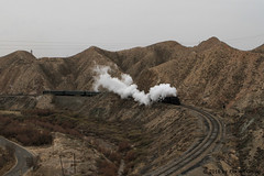 I_B_IMG_8177 (florian_grupp) Tags: asia china steam train railway railroad bayin lanzhou gansu desert landscape loess mountains sy ore mine 282 mikado steamlocomotive locomotive