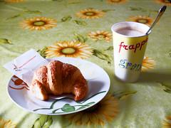 1137 - Colazione (Diego Rosato) Tags: colazione breakfast cornetto croissant cappuccino latte milk caff coffee piatto dish bicchiere glass fuji x30 gimp