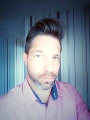 Portrait (DanielHiller) Tags: portrait selfie me ich selbstportrait samsung indoor oldies rockabilly