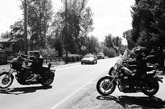 (Benz Doctolero) Tags: canon t50 film kodak trix 400 black white bw monochrome road oregon