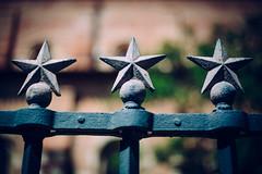 Toulouse, France - Stars (Regan Gilder) Tags: stars fence france toulouse southoffrance eu europe outdoor outdoors church basiliquesaintsernindetoulouse canoneos5dmarkiii canon languedoc languedocroussillon