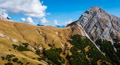 K_096 Herbst im Karwendelgebirge (wenzelfickert) Tags: karwendelgebirge herbst autumn alpen tirol gipfel peak bergmassiv landschaft landscape wandern hiking himmel sky berge mountains sterreich austria