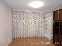 "Cortinas y Galería decorativa blanca • <a style=""font-size:0.8em;"" href=""http://www.flickr.com/photos/67662386@N08/15629293126/"" target=""_blank"">View on Flickr</a>"