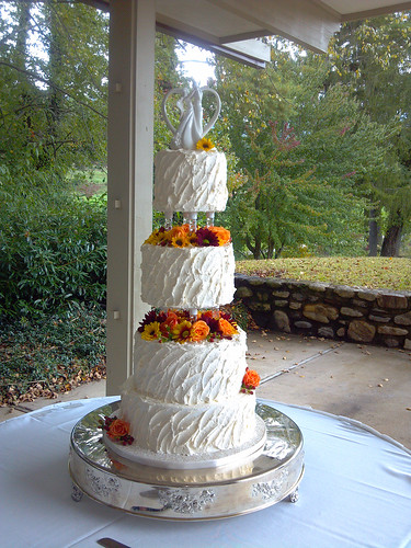 """Multiple separated tiers for this wedding cake. • <a style=""""font-size:0.8em;"""" href=""""http://www.flickr.com/photos/50891271@N03/15726496894/"""" target=""""_blank"""">View on Flickr</a>"""