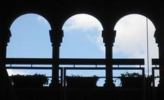 Cusco 72 (Visualística) Tags: cuzco peru ciudad urban stadt korikancha puertas doors windows cusco ventanas window urbano arco arquitectura architecture arch arquepoética citta city arquepoetica perú