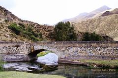 Puente en Vilca - 8696 (Marcos GP) Tags: bridge peru rio stone river puente lima paisaje turismo aventura marcosgp