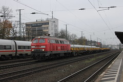 D-loc 218 261-6(Kln West 29-11-2014) (Ronnie Venhorst) Tags: railroad west train canon deutschland eos rebel diesel d rail railway zug bahnhof kln db cargo railwaystation v loc t3 duisburg bahn trein spoor duitsland gruppe 261 dbs deutsche 1100 spoorwegen lok treinen keulen 218 160 2014 spoorweg schenker diesellok locomotief br218 dloc baureihe dieseltrein v160 dieselloc 1100d materieel werktrein entenfang bahnbau dlok dieselmaterieel eos1100d spoormaterieel eos1100 rangeeren