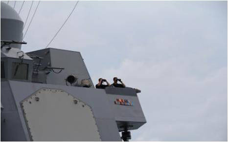 USS Sampson helps in search for AirAsia flight QZ8501.