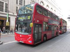 DN33615, New Oxford Street, London, 19/08/14 (aecregent) Tags: london 25 newoxfordstreet dn 33615 towertransit enviro400 190814 dn33615 sn11bmz londonbuses2014